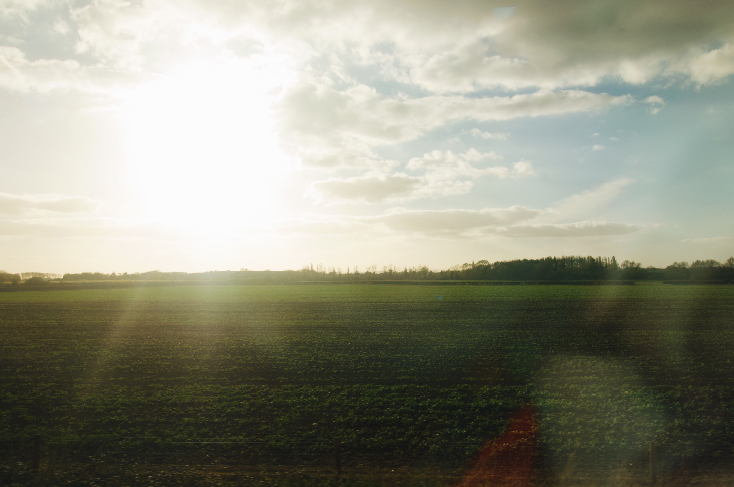 バーミンガムからチェルトナムへ向かった時の車窓