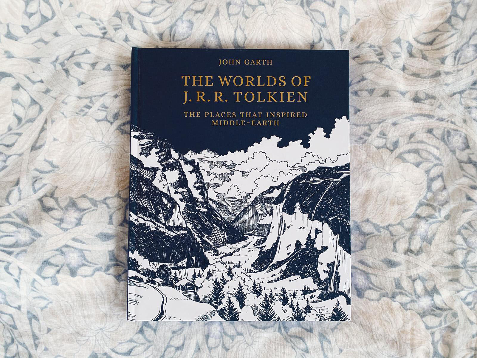 書影写真: The Worlds of J.R.R. Tolkien